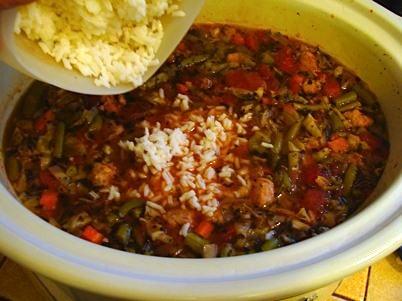 slow cooker-saus-veg-soup