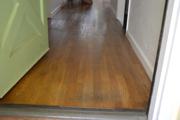 Entry threshold floor-before