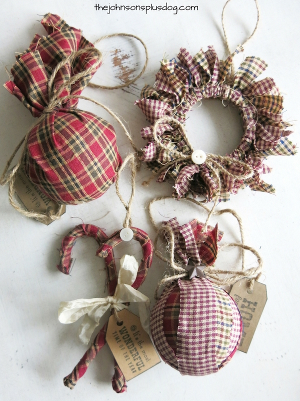 diy-homespun-fabric-christmas-ornament-via-the-johnsons-plus-dog