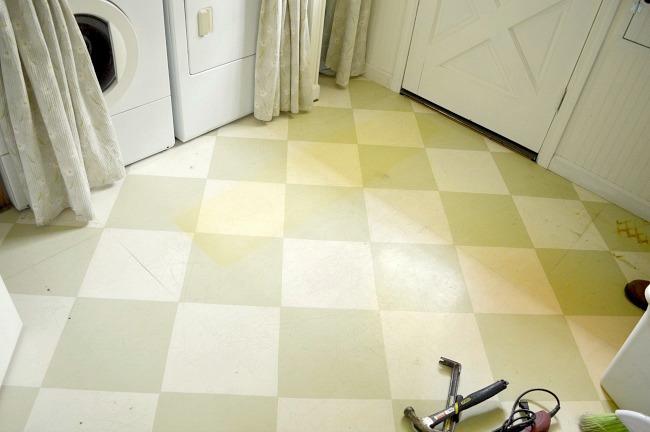 DIY Floors-Diamond painted floor in laundry room