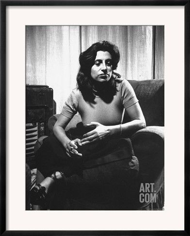 anna-magnani-in-her-rome-apartment