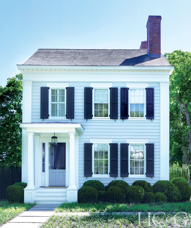 Touring A Restored 1840's Home In Sag Harbor