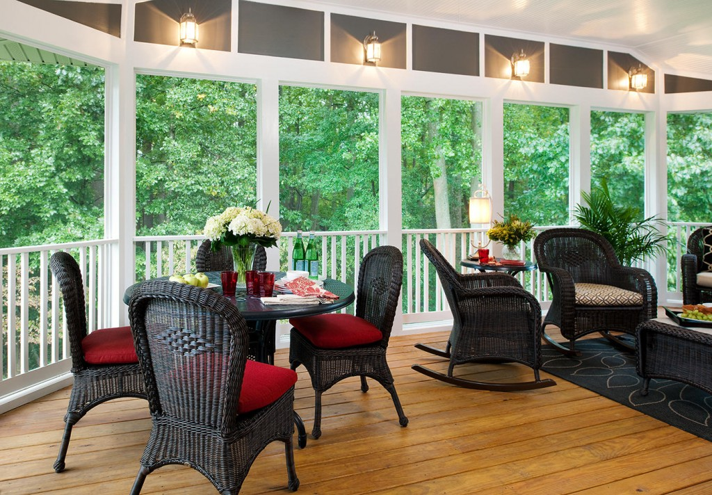 Screened Patio Decor