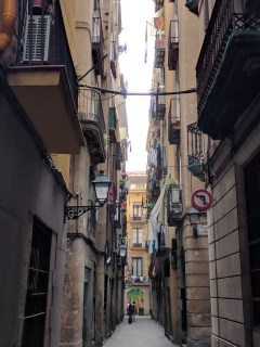 barcelona-weekend-gothic-alley