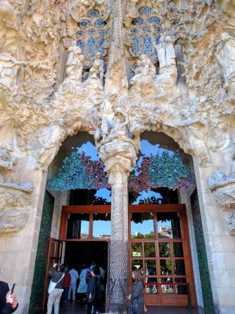 barcelona-weekend-sagrada-familia-doors