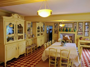 Monet Giverny yellow kitchen