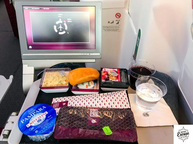 Qatar 787 economy food meal dinner tray wine
