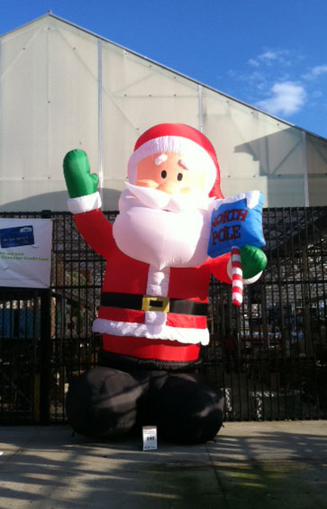 inflatable santa at lowes