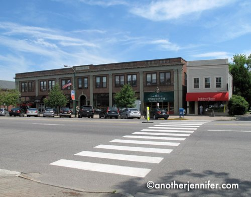 Brunswick boasts the widest main street in Maine. With several crosswalks along the way, it's very pedestrian (and dog!) friendly.
