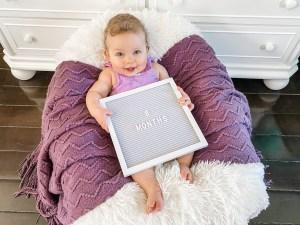 8 month old baby milestone photo ideas