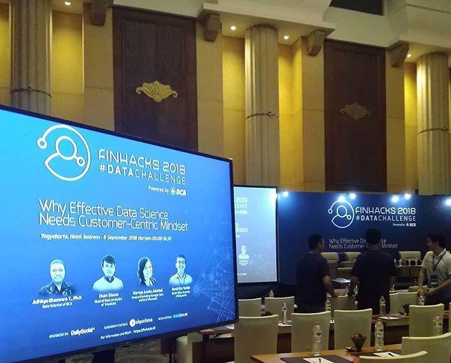 roadshow finhacks 2018 data challenge yogyakarta