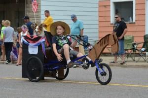 The Suring Parade riding collie