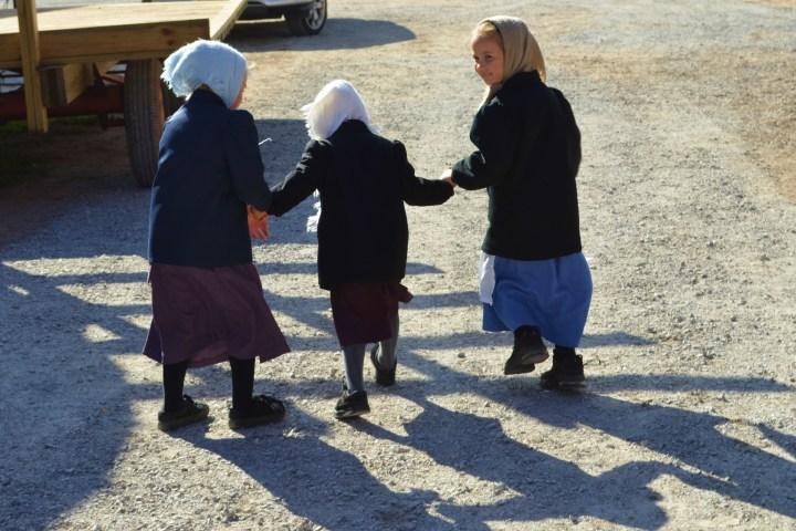amish-children