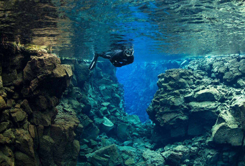snorkeling-in-silfra-3