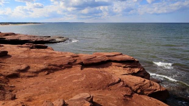 Sandstone cliffs, Brackley-Dalvay, Prince Edward Island National Park, Prince Edward Island, Canada