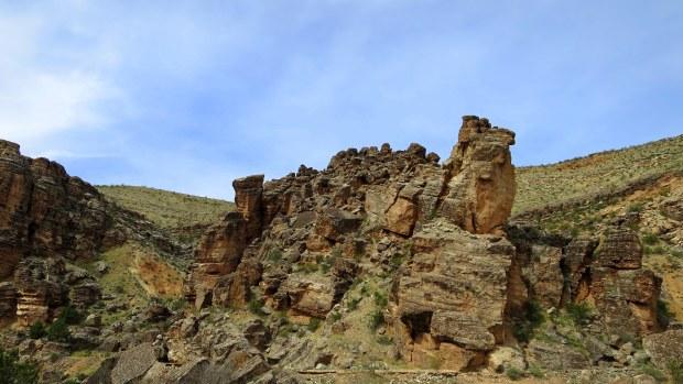 Broken cliffs in the Virgin River Canyon, Canal Trail, Hurricane Cliffs Recreation Area, Utah