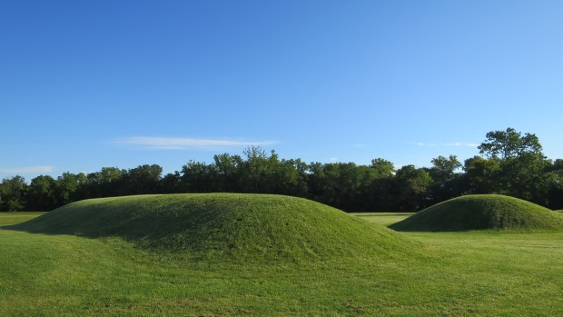 Elliptical mound, Mound City, Hopewell Culture National Historical Park, Ohio