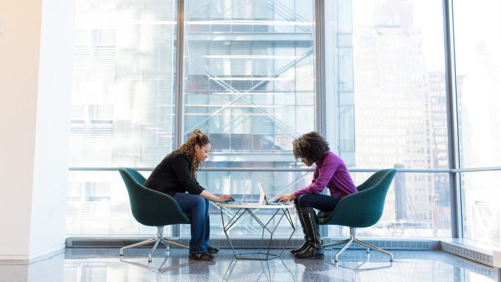 L'Esperto - Come scegliere il contratto collettivo - firma accordo