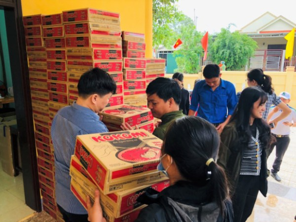 luu ban nhap tu dong 6797 5 - An Phat Holdings gives 3 tons of goods to the Quang Tri people affected by floods