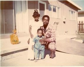 1975-03-30 Monica & Leon & Sean scan0008