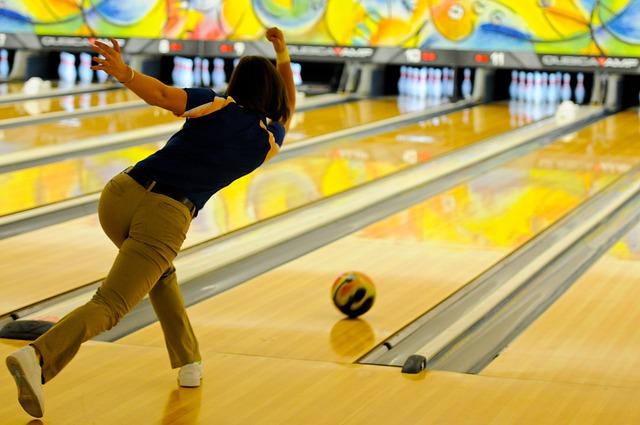 bowling-696132_640