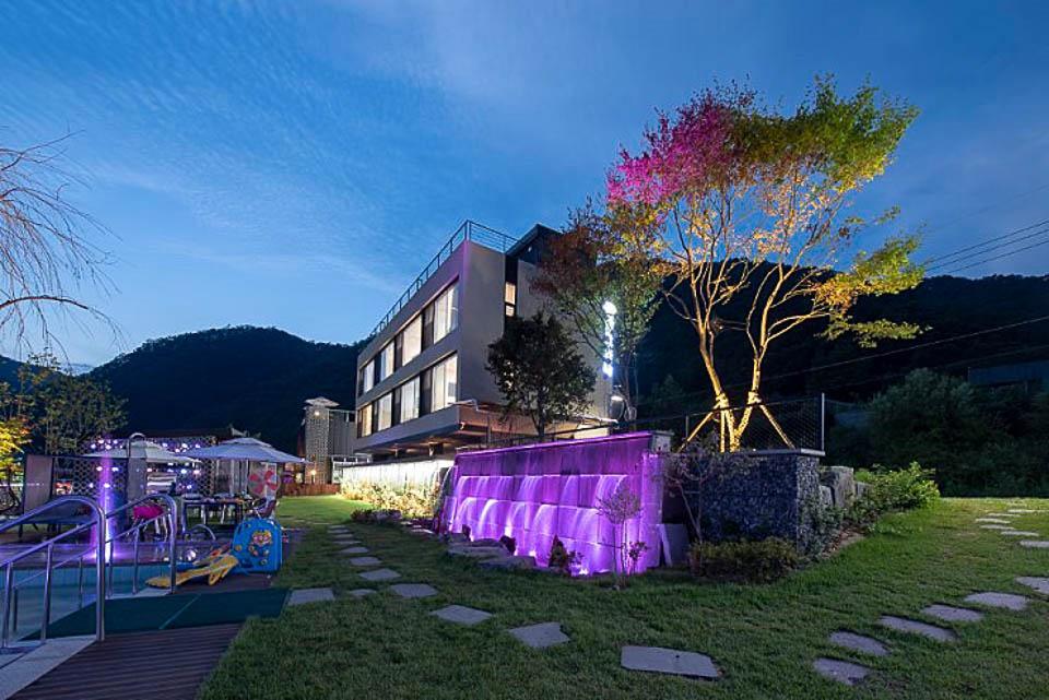 2016 Hongchung Poolgrida 8 스타일 랩 종합건축사사무소 : 건축사 안응준