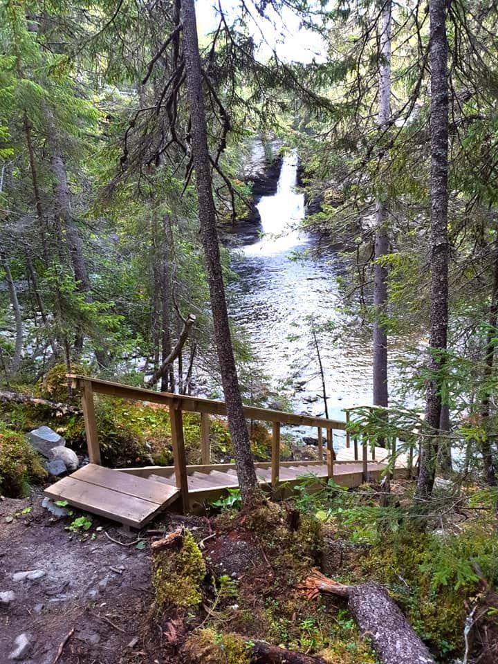 Ansättåleden och Ansättåns canyon - trappa vid Storforsen. Foto © flyttatillfjallen.se