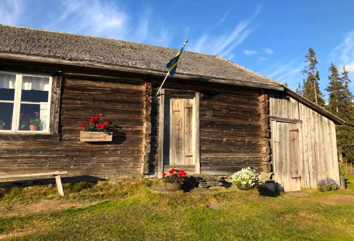 Historiens vingslag. Foto © Myhrbodarna Fäbod