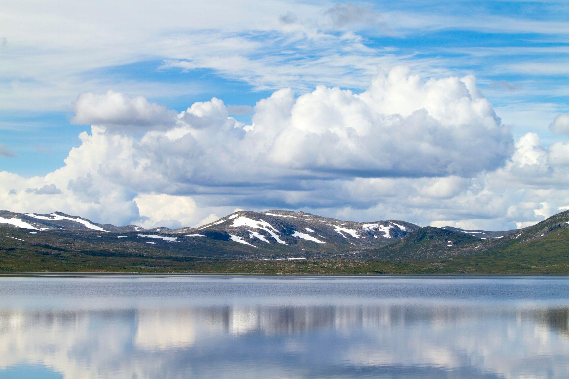Stor-Stensjön i förgrunden. Foto © Jörgen Språng