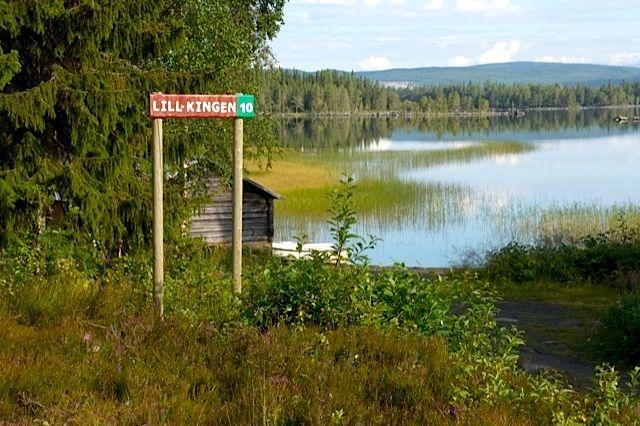 Lill-Kingen ett populärt vatten i Hotagsbygden. Foto © John Omalley.