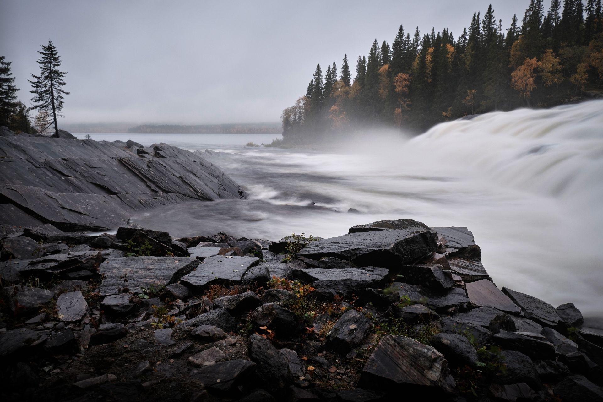 Rengsfallet i Hotagsbygden. Foto © Jörgen Språng.