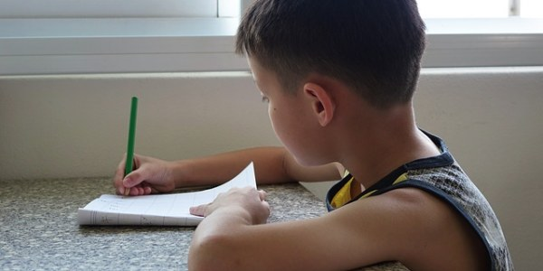 Should parents continue reading with their children once they become independent readers?