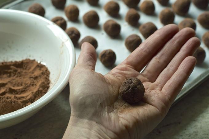 chocolate truffles dark 'n stormy finishing