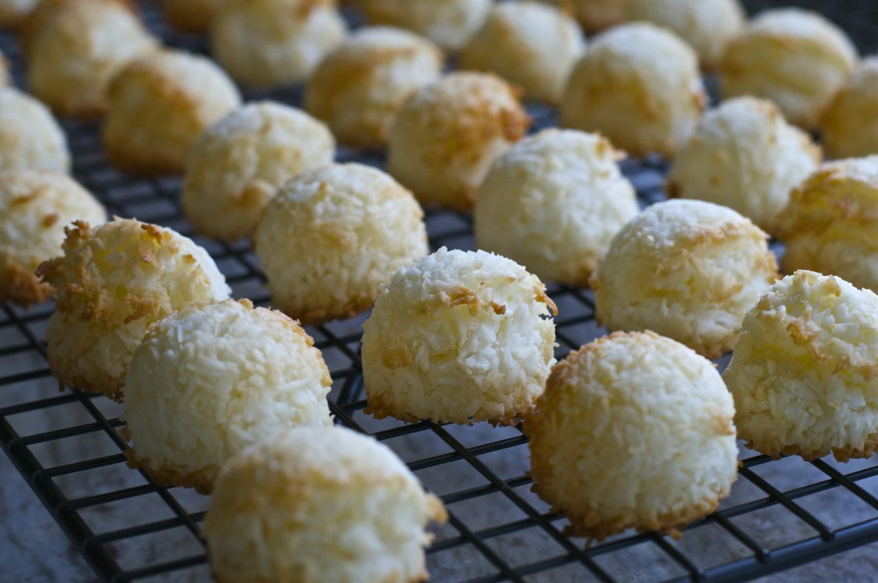 Chewy Chocolate Coconut Macaroons