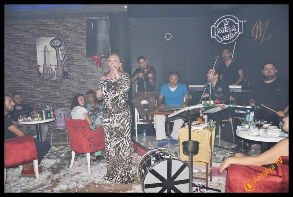 Güllü - Mira Alaturka- Behnan Suat Zor- Antalya Tv- Antalya TV Gece Muhabiri Fırtına Rüya Kürümoğlu204