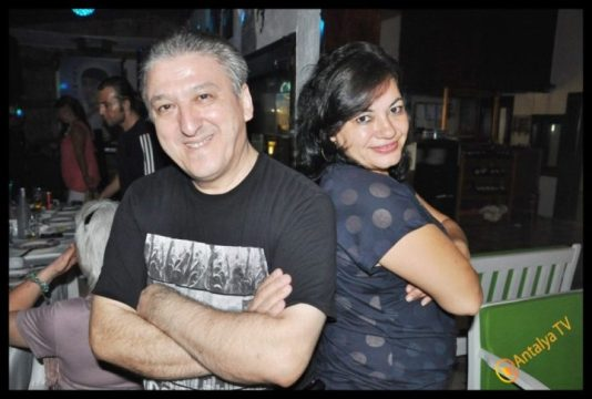Kıbrıs Ada TV-  Tavukçu Show - Burhan Çapraz- Antalya TV- Muhabir Rüya Kürümoğlu- Prens Boran (30)