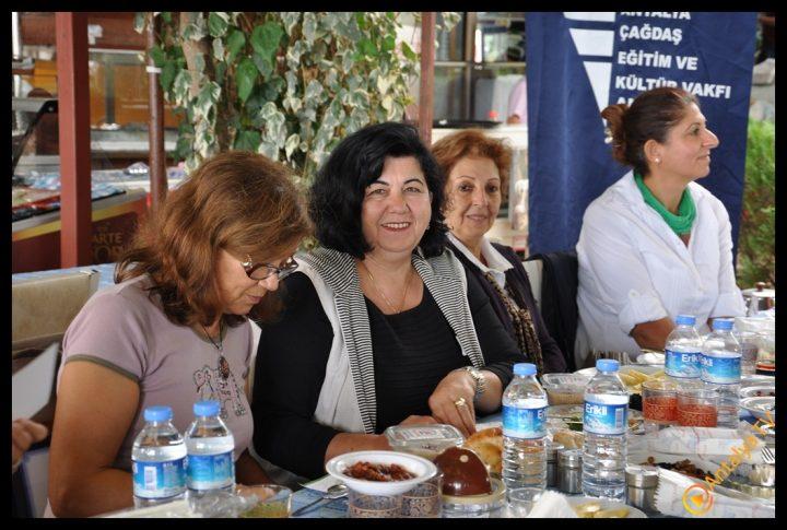 Efsane Tırak Köy Kahvaltısı Fasıl Restaurant- Ali İhsan Eymir- Antalya TV Muhabiri Rüya Kürümoğlu (116)