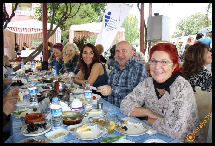 Efsane Tırak Köy Kahvaltısı Fasıl Restaurant- Ali İhsan Eymir- Antalya TV Muhabiri Rüya Kürümoğlu (208)