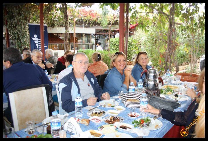 Efsane Tırak Köy Kahvaltısı Fasıl Restaurant- Ali İhsan Eymir- Antalya TV Muhabiri Rüya Kürümoğlu (211)