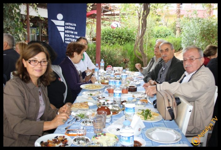 Efsane Tırak Köy Kahvaltısı Fasıl Restaurant- Ali İhsan Eymir- Antalya TV Muhabiri Rüya Kürümoğlu (215)