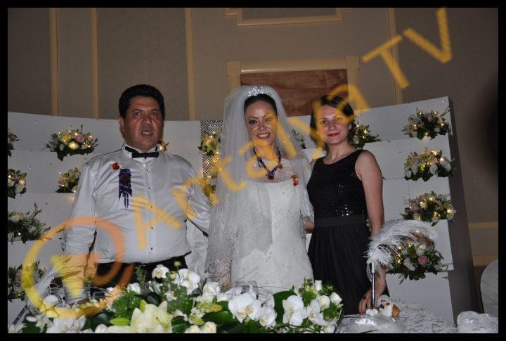 Kemer Belediye Başkanı Mustafa Gül ve Neşe Gül Evlendi.. Seda Çınar