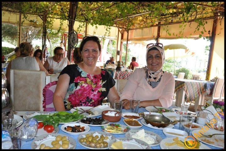 Kadınlar Kulübü Efsane Köy Kahvaltısı'nda (44)