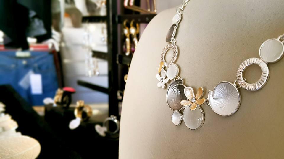 B & G Boutique Antalya – 0242 2295999 antalya takı mağazaları saat küpe yüzük kemer çanta modelleri (1)