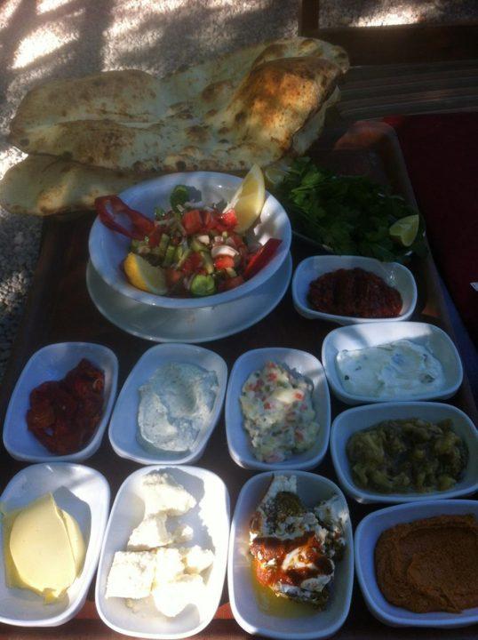 antalya kemer ulupınar en iyi restaurant kahvaltı yarıkpınar meydan restaurant (32)