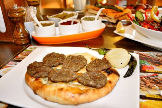 antalya-kofte-piyaz-siparis-0242-322-4141-cag-kebabi-etli-ekmek-pide-lahmacun-paket-servis-3