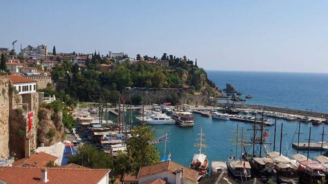 Tophane Çay Bahçesinden Antalya Yat Limanı İskele Kaleiçi Deniz Manzarası Gezi Tatil