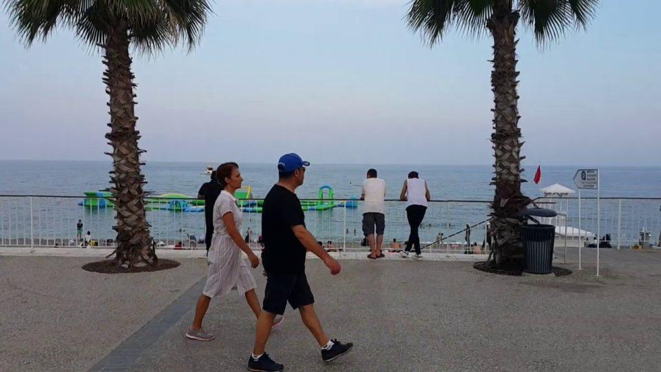 Konyaaltı Kent Meydanı Yürüyüş Yolu Antalya Deniz Manzarası Gezi Tatil