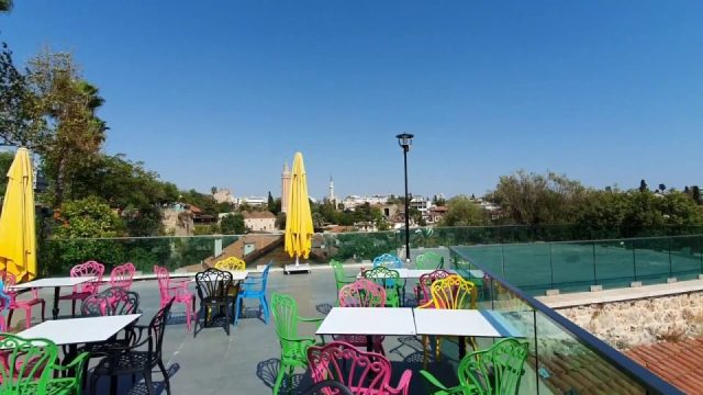 Antalya Tophane Çay Bahçesi ve Kaleiçi Yat Limanı Deniz Manzarası