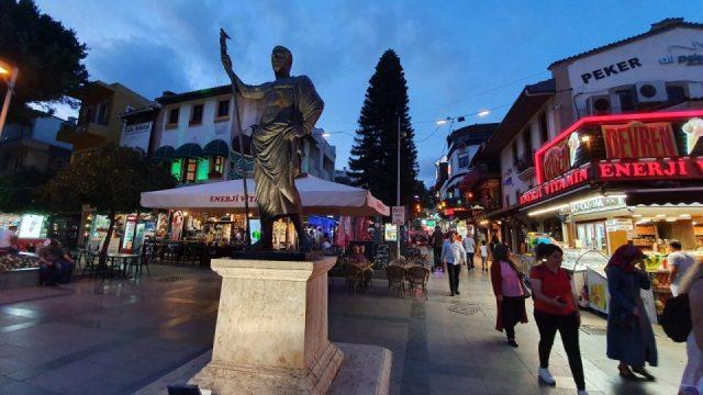 Kale Kapisi Saat Kulesi Kapali Yol Antalya Manzara (9)