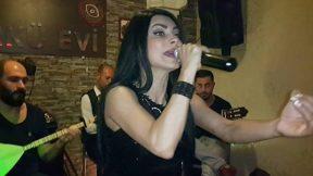 Beyaz Giyme Toz Olur - Serpil Efe - Antalya Sıla Türkü Evi Serpil Efe Dinle